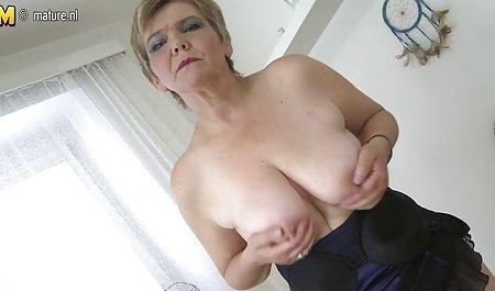 Su dedo empujó señora nalgona xxx en anal sexy Amas de casa