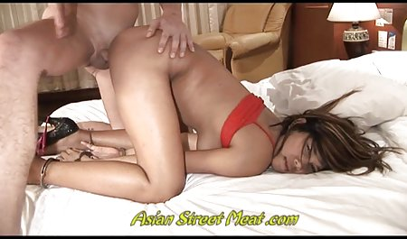 Bronceada esposa apriete con tetas de silicona se maduras peludas culonas masturba hijo pene anal