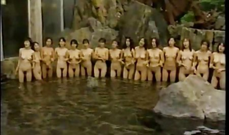 Sexo apasionado de la voladura en el baño con el pelo rojo de la belleza del agua señoras nalgonas y tetonas