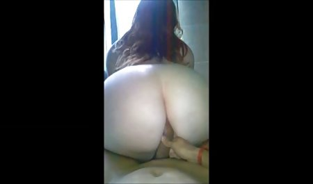 Chica caliente que señoras nalgonas xxx extiende sus piernas durante el sexo anal