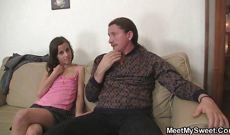 Hermosa chica tiene una de las extensiones de enorme dildo mujeres de 40 culonas y polla
