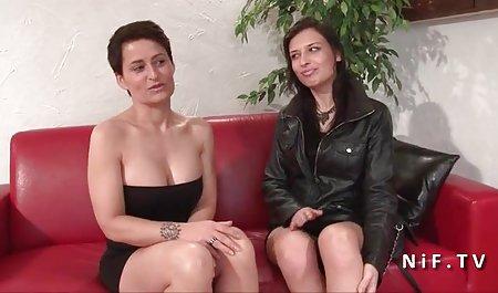 Negro mujer negra en las señoras grandes culonas escaleras, freír en el cáncer anal